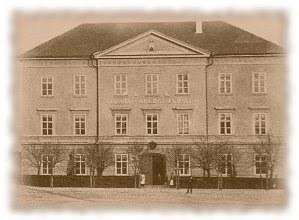 C.K. státní gymnázium na náměstí (konec 19.století)